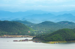 Landschaft-Srinakarin-Verdammung stockfotos