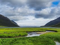 Landschaft und Ansicht von einem Fjord in Nord-Island stockfotografie
