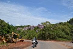Landschaft und Motorrad Lizenzfreies Stockbild