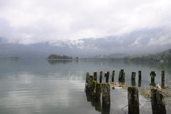 Landschaft von Aiguebelette See in Frankreich Lizenzfreie Stockbilder