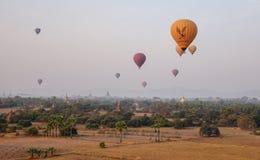 Landschaft von Bagan, Myanmar lizenzfreie stockfotos