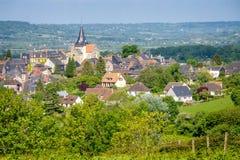 Landschaft von Beaumont en Auge in Normandie Stockfotografie
