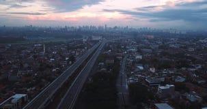 Landschaft von Becakayu-Mautstraße in Jakarta stock video footage