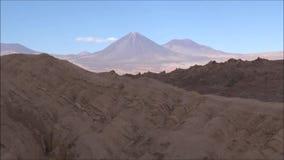 Landschaft von Berg-, Vulkan und Tal Atacama-Wüste Chile stock footage