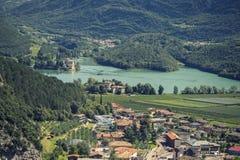 Landschaft von Bergen und von Gras von Süd-Tirol Lizenzfreies Stockfoto
