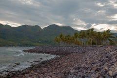 Landschaft von Bergen und von Meer Stockfoto