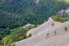 Landschaft von bewaldeten Bergen Lizenzfreie Stockbilder