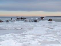 Landschaft von einem gefrorenen Meer Stockbilder