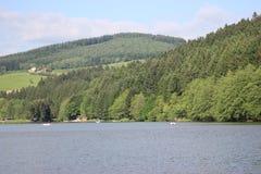 Landschaft von einem See in den Bergen (Frankreich) Stockfoto
