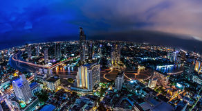 Landschaft von Fluss in Bangkok-Stadt Stockfotografie