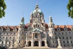 Landschaft von neuen Rathaus in Hannover, Deutschland Lizenzfreies Stockbild