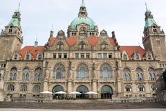 Landschaft von neuen Rathaus in Hannover, Deutschland Lizenzfreie Stockbilder