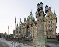 Landschaft von neuen Rathaus in Hannover, Deutschland Lizenzfreie Stockfotografie