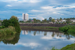 Landschaft von Pattani-Fluss im yala, Thailand stockbild