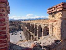Landschaft von Roman Aqueduct, der berühmte Markstein von Segovia, Spanien Stockfotos