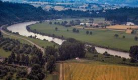 Landschaft von schlängelndem Fluss durch Deutschland Lizenzfreie Stockfotografie
