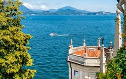 Landschaft von See Maggiore von Borromean-Insel Bella, Italien Lizenzfreies Stockbild