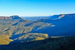 Landschaft von Tälern und von Hochebenen in den blauen Bergen, Australien stockbild