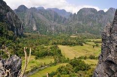 Landschaft von vang vieng lizenzfreie stockfotos