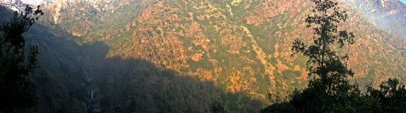 Landschaft von wilden Bergen Stockfotografie
