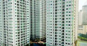 Landschaft von Wohngebäuden in Jakarta stock video
