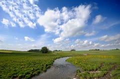 Landschaft, Wolken und Fluss Stockbilder