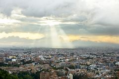 Landschaften von Bogota-Hügeln in Kolumbien stockbild