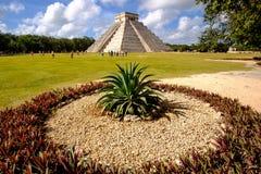 Landschaftsansicht berühmter Pyramide Chichen Itza Stockfotos