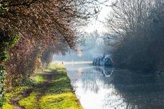 Landschaftsansicht des Boots-Kanals in Vereinigtem Königreich Stockbilder
