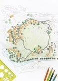 Landschaftsarchitekt Designing auf Standortanalyseplan Stockbilder