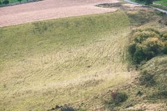 Landschaftsfelder im Herbst - Weinleseeffekt Stockbilder