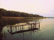 Landschaftsfluß und -fischer sigean Stockfotografie