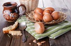 Landschaftsfrühstück mit Eiern Lizenzfreie Stockfotografie