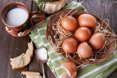 Landschaftsfrühstück mit Eiern Stockbild