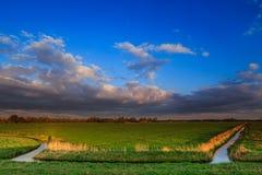 Landschaftslandschaft bei Sonnenuntergang Lizenzfreies Stockbild