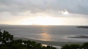 Landschaftsmeerblick auf samui Insel mit bewölktem Himmel stock footage