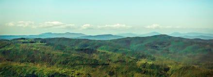 Landschaftspanoramablick eines toskanischen Tales stockbilder