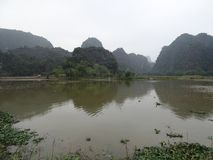 Landschap bij Tam Coc-dagreis dichtbij Ninh Binh in Vietnam, Azië Stock Afbeelding