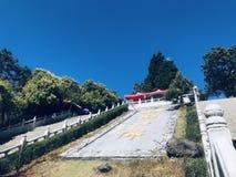 Landschap, blauwe hemel, witte wolken royalty-vrije stock afbeeldingen