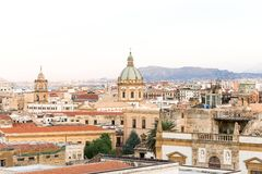 Landschap boven oude stad van Palermo royalty-vrije stock fotografie