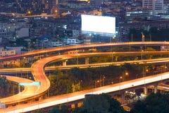 Landschap dat modern bedrijfsdistrict van Bangkok bouwt S-vormig Stock Foto's