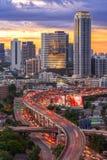 Landschap dat modern bedrijfsdistrict van Bangkok bouwt S-vormig Royalty-vrije Stock Afbeelding