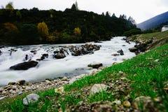 Landschap in de Berg van de de aandrijvingsweg van het xizangtoerisme stock fotografie
