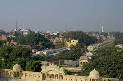 Landschap de stad van Jaipur in India de hoogste mening stock afbeeldingen