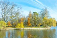 Landschap dichtbij het meer Stock Foto