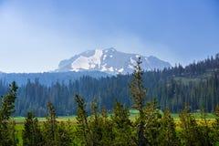 Landschap in het Vulkanische Nationale Park van Lassen royalty-vrije stock foto