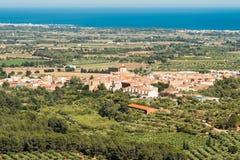 Landschap, mening van oude Spaanse stad, Costa Dorada, Tarragona Royalty-vrije Stock Afbeelding