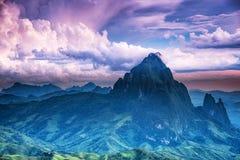 Landschap met bergpieken Stock Foto