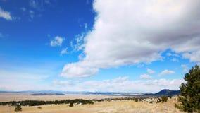 Landschap met blauwe hemel en bomen in Colorado royalty-vrije stock afbeelding