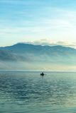 Landschap met boten en overzees Stock Foto's